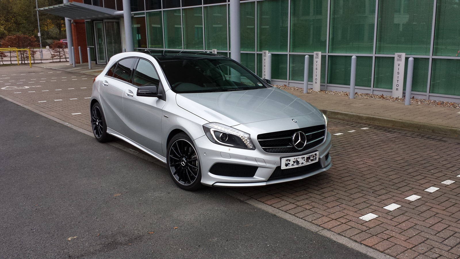 a220 silver with night pack pano mercedes a class. Black Bedroom Furniture Sets. Home Design Ideas